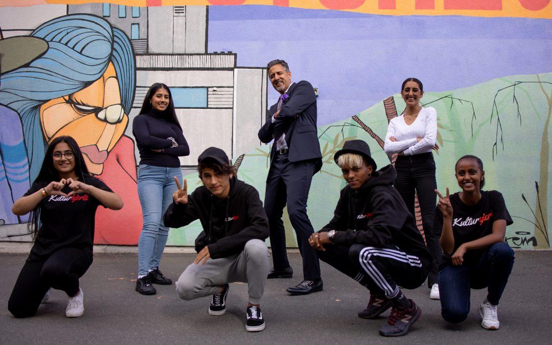 Fire ungdommer fra Kulturhjerte talte for Kulturministeren.